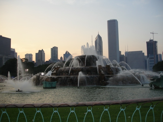 Buckingham_fountain_grant_park